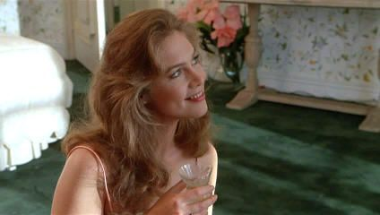 "La guapa Kathleen Turner en ""Un genio con dos cerebros"" (""A man with two brains"", 1983)"