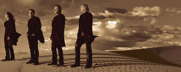 "Foto promo para ""Long Road Out of Eden"" (2007)"