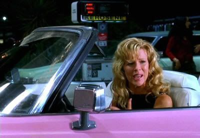"""Kim Basinger en """"Love Me Tender (Elvis Has Left the Building)"""" (2004)"""