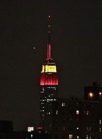 Empire State iluminado con los colores de la bandera de España