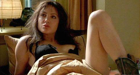 "¿Qué se ve ahí asomando?. Angelina Jolie en ""Fuera de Control"" (""Pushing Tin"", 1999)"