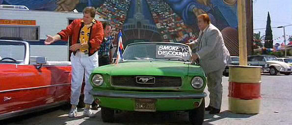 """Mustang del 66 en """"¿Quién es Harry Crumb?"""" (1989)"""