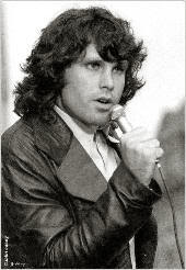 Jim Morrison y su indumentaria de cuero negro