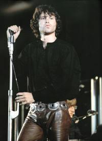 Jim sobre el escenario. ¿Con qué iba a sorprender esa noche al público?