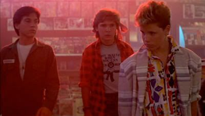 """Los Coreys en """"Jóvenes Ocultos"""" (""""The Lost Boys"""", 1987)"""