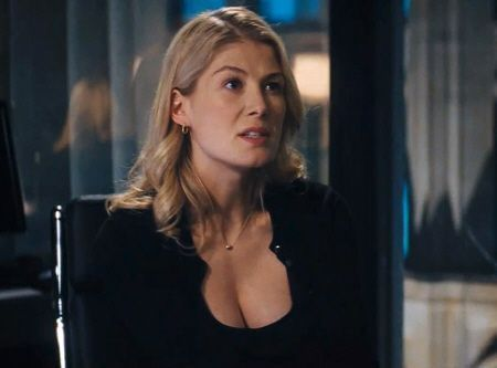 "Sexy Rosamund Pike en ""Jack Reacher"" (2012)"