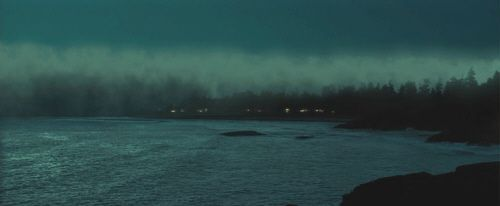 """Terror en la Niebla"" (""The Fog"", 2005)"