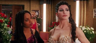 "Gina Gershon en ""Showgirls"" (1995)"