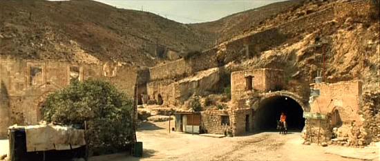 Pueblo de San Juan (The Mexican, 2001)