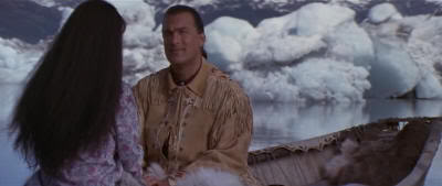 "Steven Seagal en ""En Tierra Peligrosa"" (""On Deadly Ground"", 1994)"
