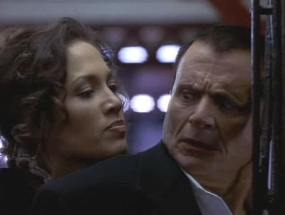 "Jeniffer Lopez en ""Asalto al Tren del Dinero"" (""Money Train"", 1995)"