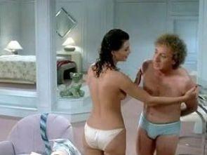 """Escena final de """"La mujer de rojo"""" (1984)"""