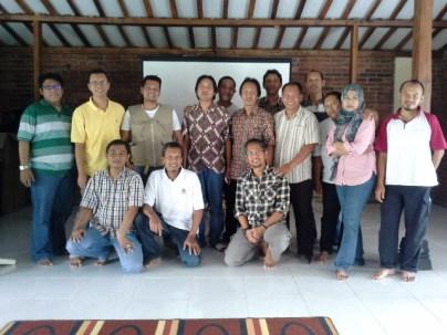 Foto Bersama Anggota Yayasan Javlec Indonesia