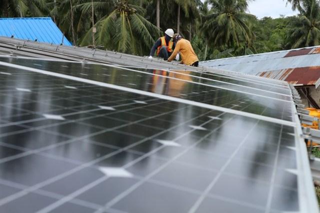 pemasangan panel surya