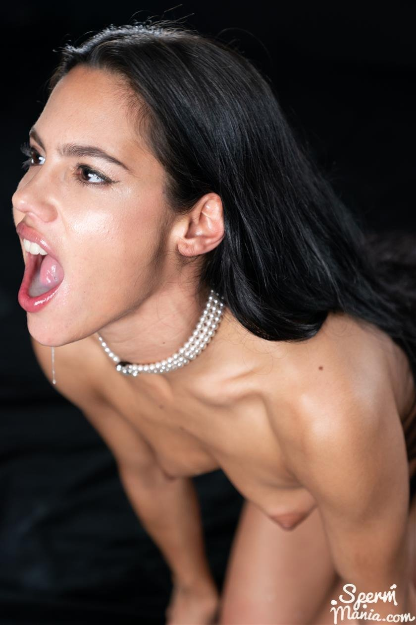 Sperm Mania - Apolonia Lapiedra Sucks A Bunch Of Dicks With Cum In Her Mouth - HQ