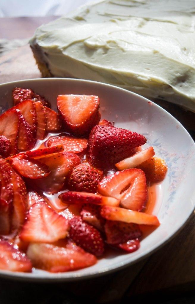 strawberry cake preparation