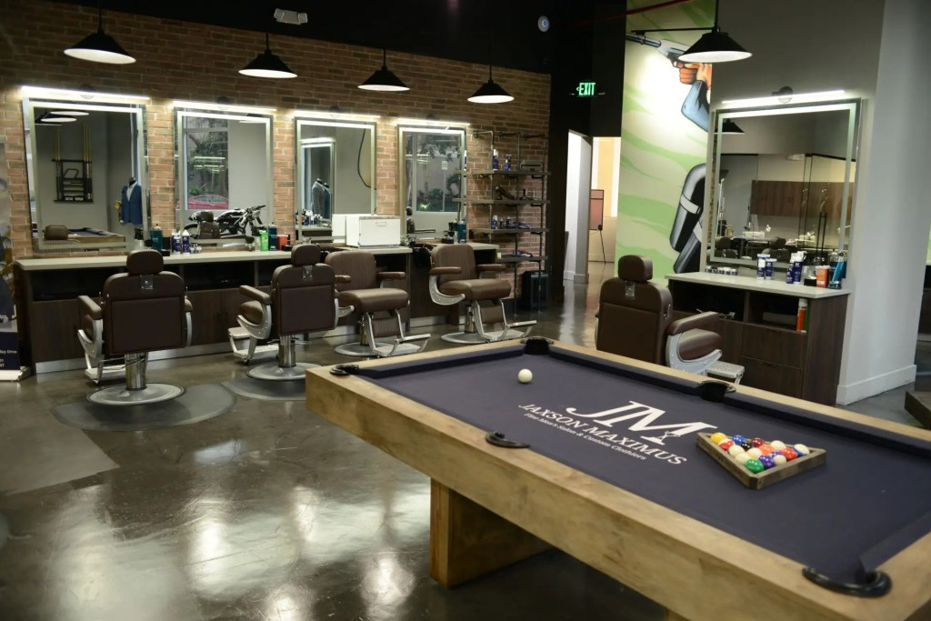 Jaxson Maximus Fine Men's Salon