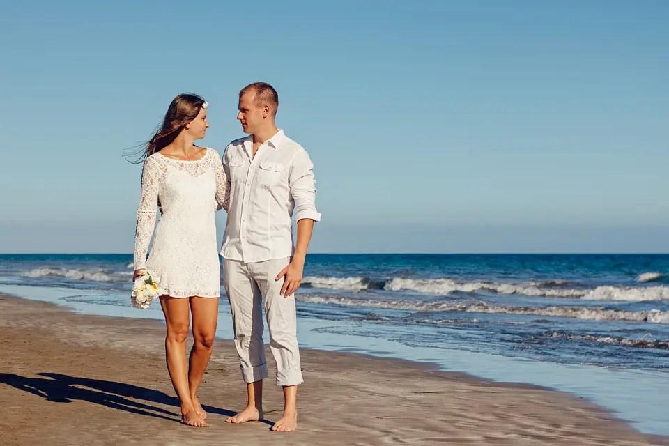 beach wedding attire for men