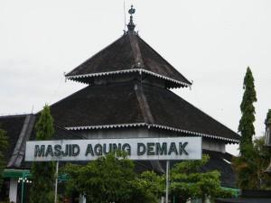 Masjid-Agung-demak