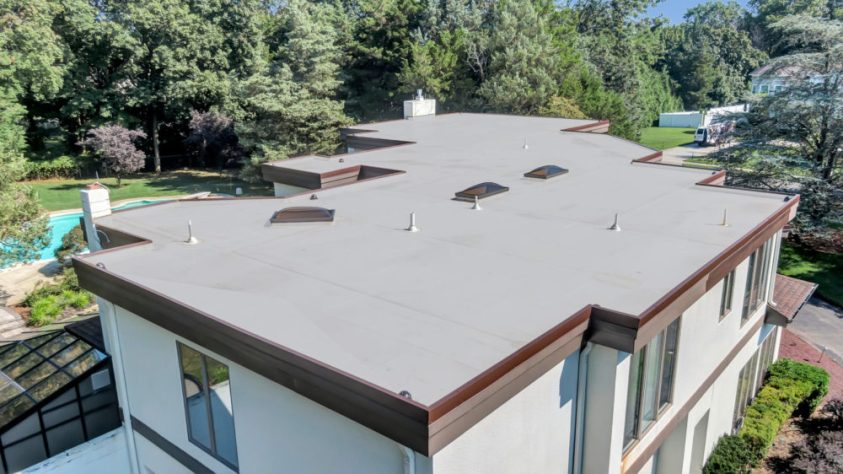 view of a flat roof