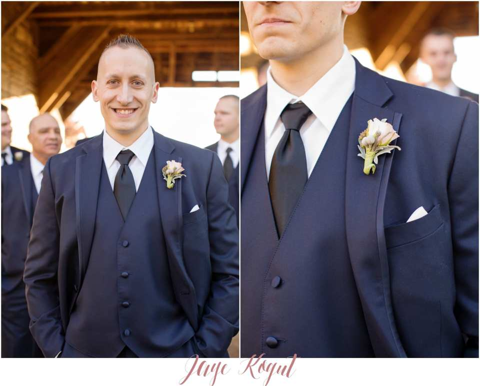 navy blue groomsmen tuxedos