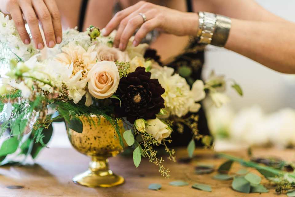 A Tip For Saving on Wedding Flowers, wedding flower budgets