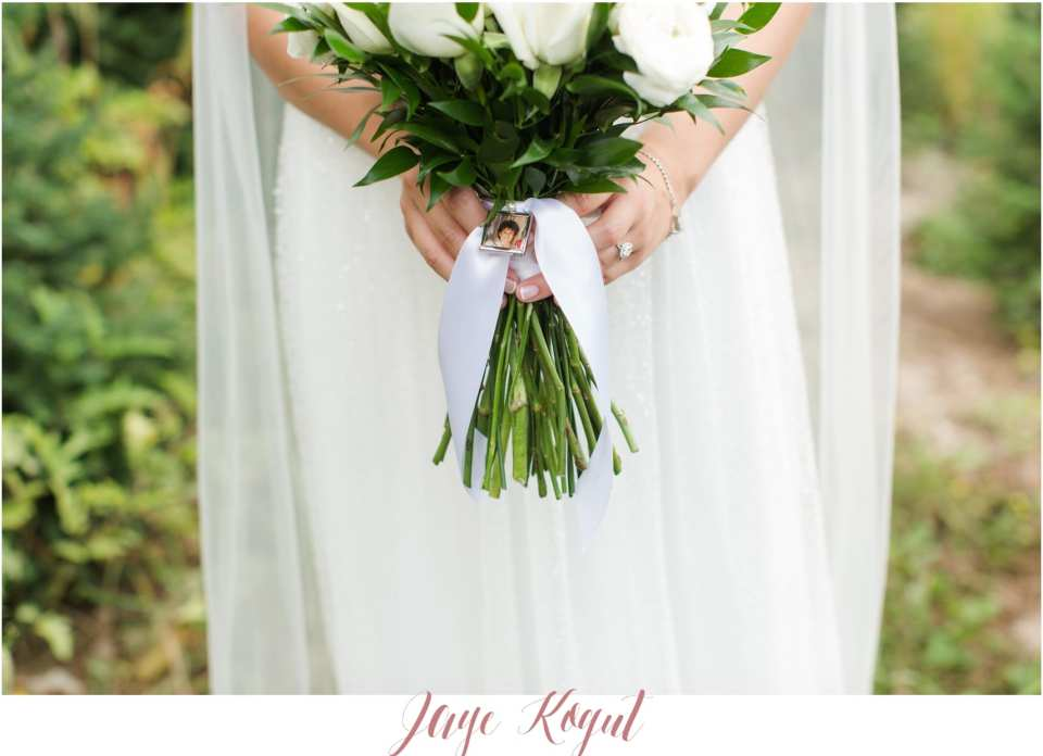 bridal bouquet accents, NY wedding photographers