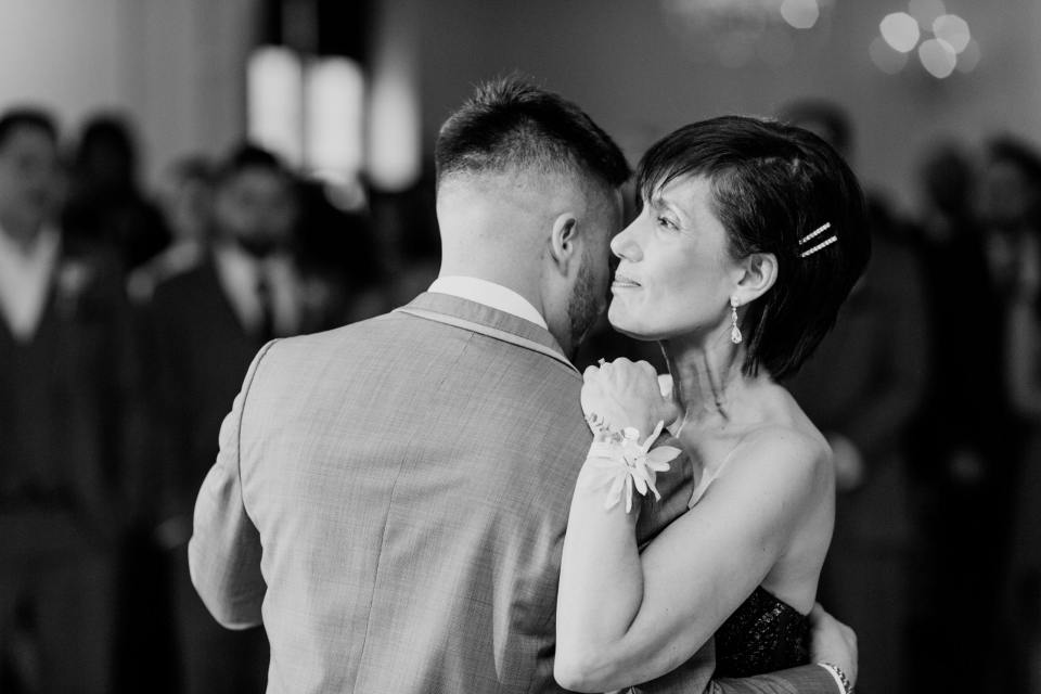 Mother Son dance black and white photo, mother of groom loving dance with son black and white photo