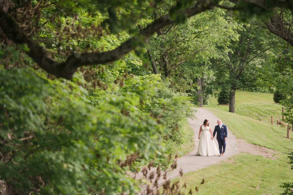 first look at bear brook valley, bear brook valley weddings, north jersey wedding photos