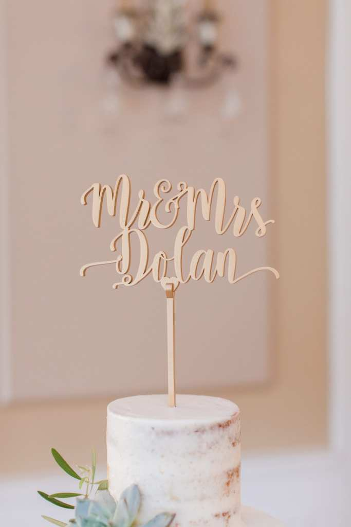 Palermo Bakery, Cake Topper, Mr and Mrs Cake Topper