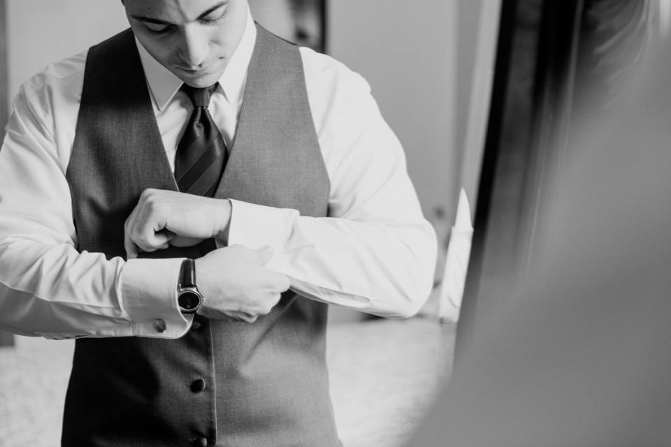 groom getting ready, Mens Wearhouse, classic suit, NJ wedding photographer