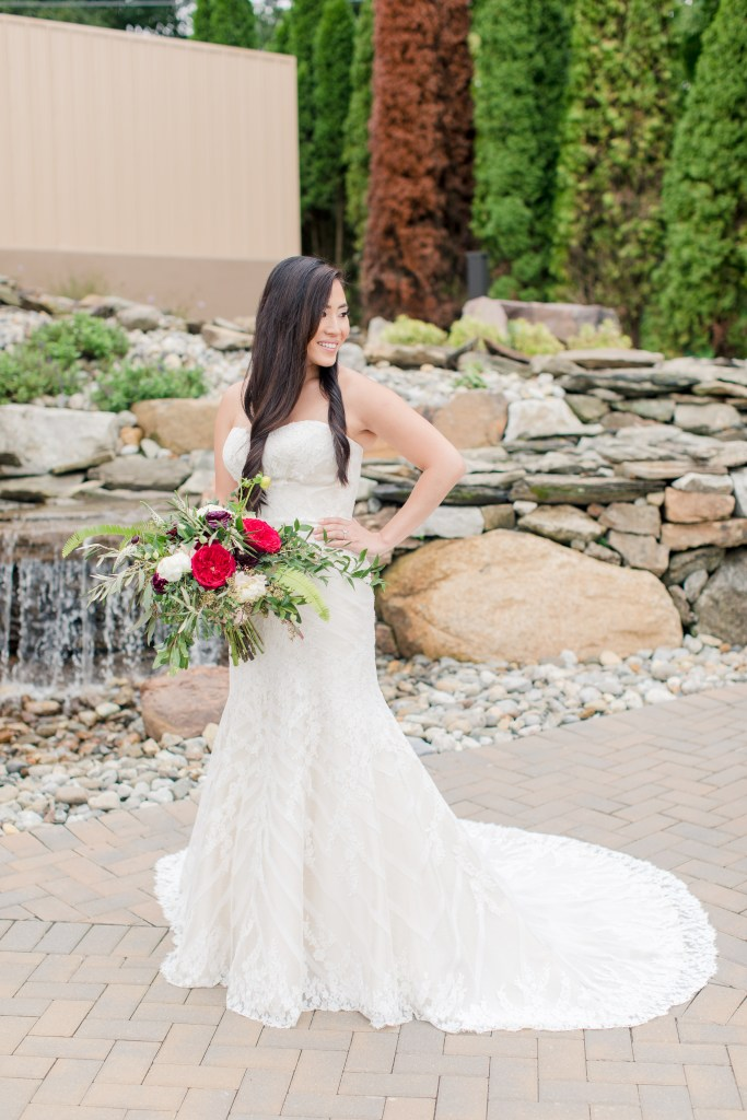 classic outdoor bridal portrait, northern new jersey wedding, Rock Island Lake Club outdoor photos, Anna Rose florals, Matthew Christopher wedding gown, classic bridal portrait