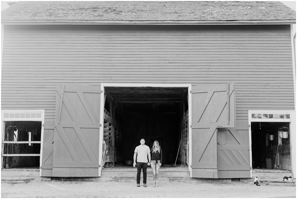 black and white barn photo, black and white barn engagement photo