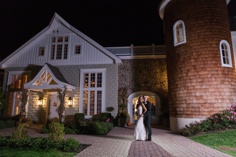 bride and groom outside at night, bride and groom in love photo, Ryland Inn, North Jersey wedding venue, New Jersey wedding photographer