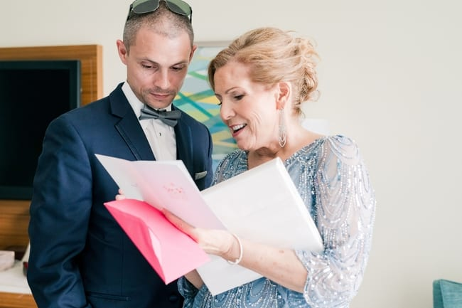 Groom read as note with hsis mother