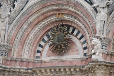 Rosette over main portal..