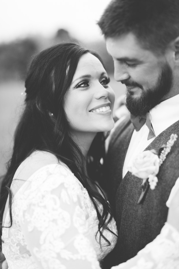 Jayna Watkins Photography // East Tennessee Wedding, Lifestyle, and Portrait Photographer // Knoxville, Tennessee // Colley Hill Farm Wedding // May Spring Wedding // Farm Wedding // Tennessee Wedding