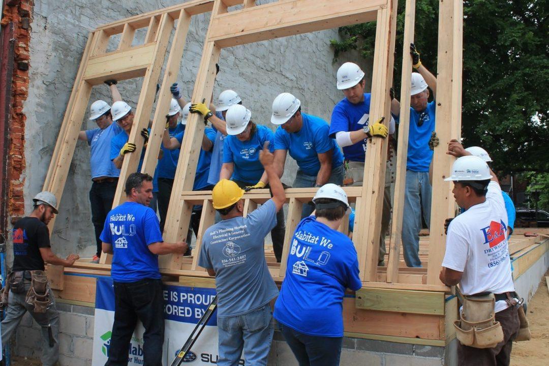 habitat-camden-affiliate-volunteer-day-home-raising