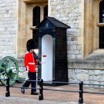 "Crown Jewels Guard ""Beefeater"""