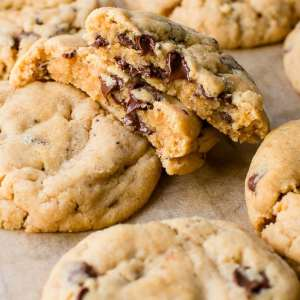 Peanut Butter-Chocolate Chip Cookies (4-pack)