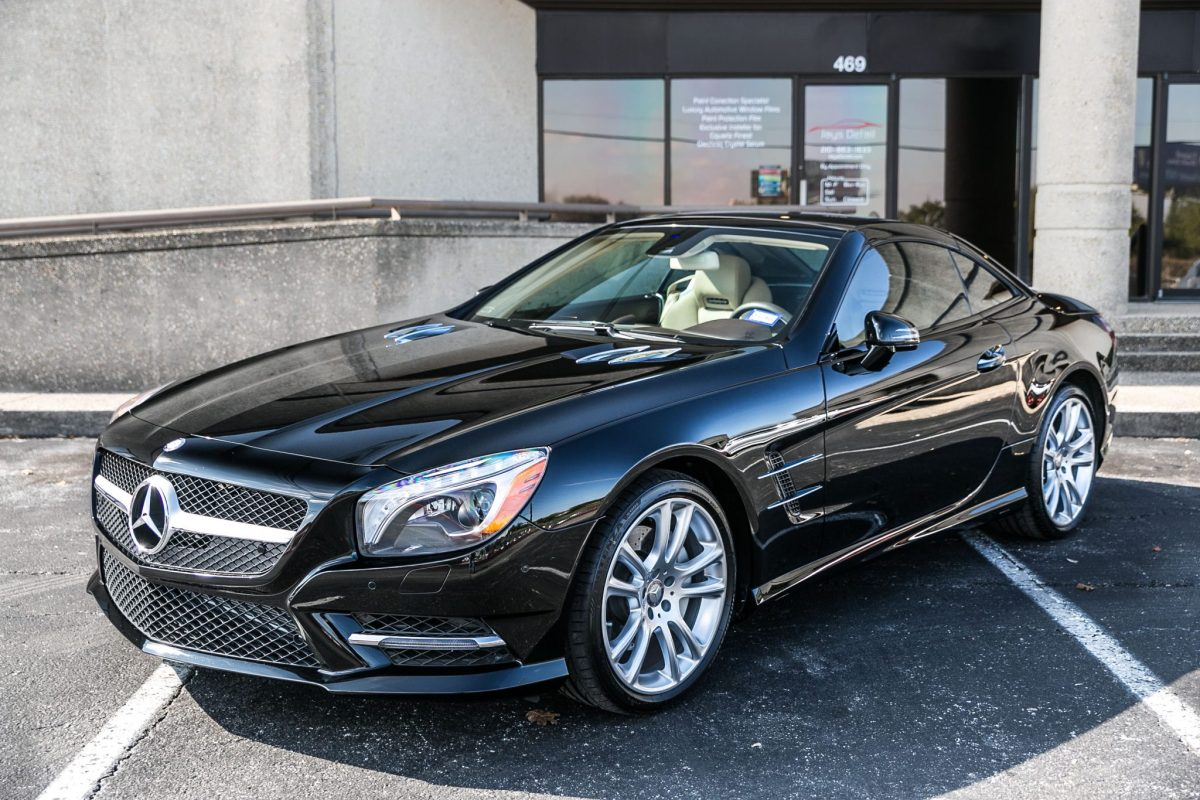 Mercedes SL400 Receives Paint Correction and CQuartz Finest Treatment