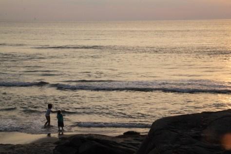 Lilka i Hania na plaży Hellestø strand