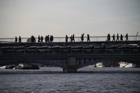 jeden z mostów na Tamizie