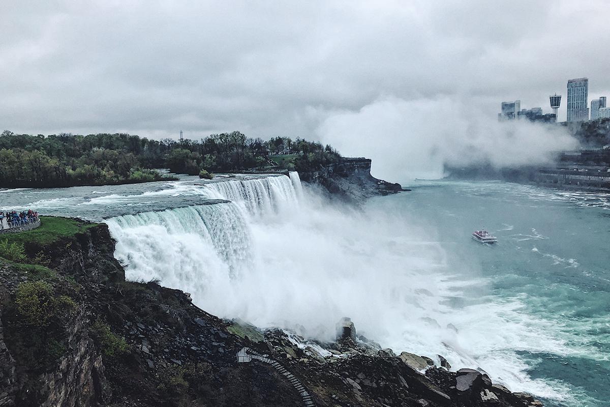 加拿大|走進霧中的少女號 Niagara Falls 尼加拉瓜大瀑布 - JAZKO