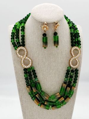 green necklace 3
