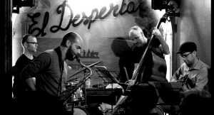 Feefifofum Quartet si nehraje na falešná očekávání