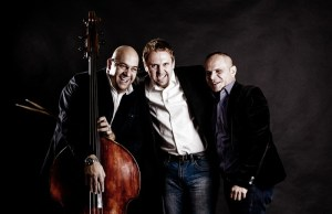 Otto Hejnic Trio rozezpívalo krásné písně do magična
