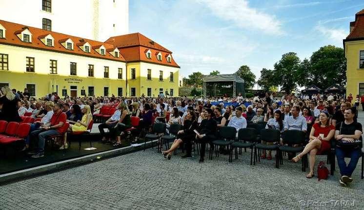 ODJF na nádvorí Bratislavského hradu