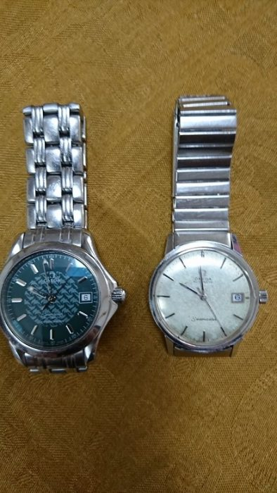 左が長男に譲る時計。右は祖父から父が受け継ぎ僕の手元にある時計。