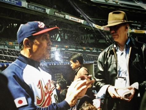Sadaharu talks to reporters during the 2006 WBC